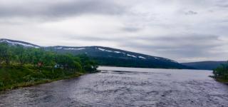 Tältplatsen vid sjön